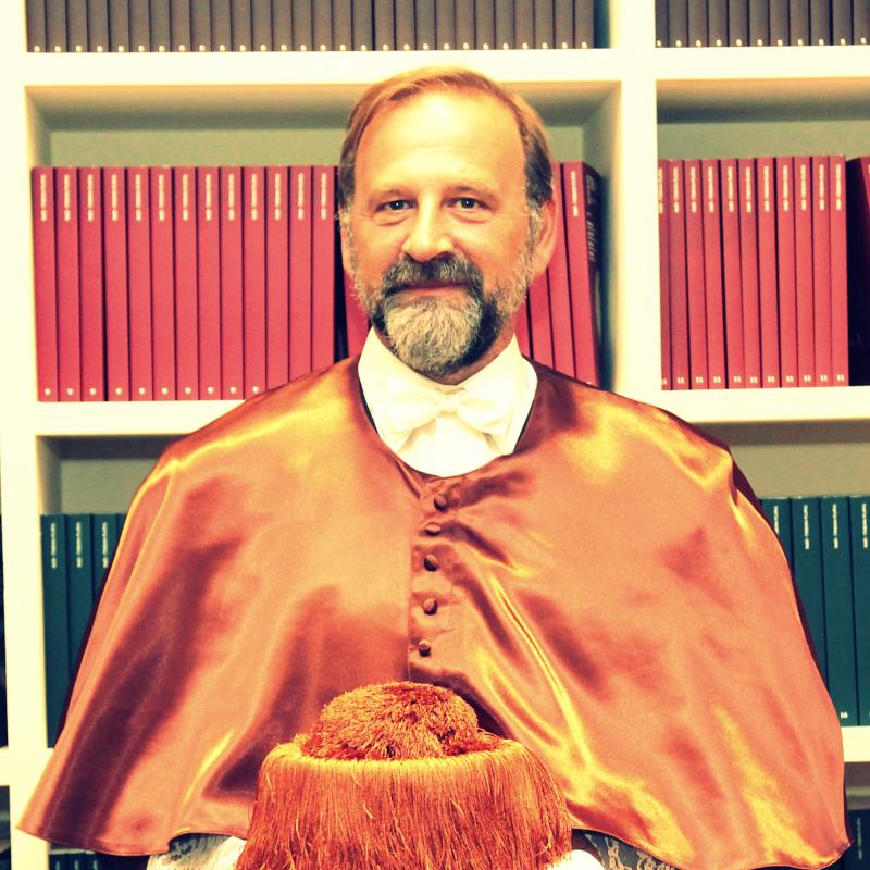 Prof. Emilio Gil