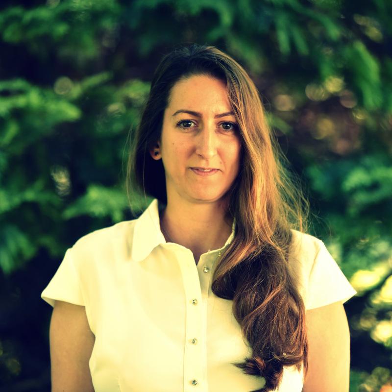 Dr. Mónika Varga